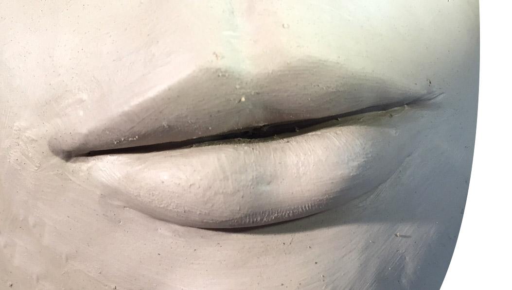 Débuter en sculpture : comment faire une bouche de femme ?