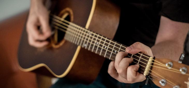 Pourquoi jouer de la guitare?